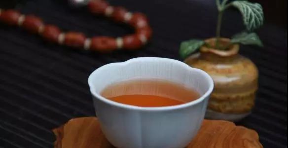 黑茶,是大自然给予的岁月陈酿