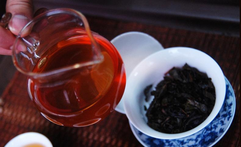 晚上喝黑茶