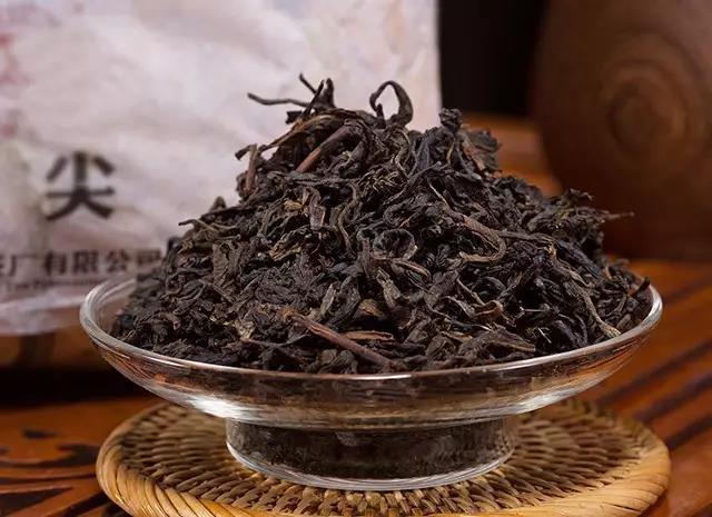 湖南安化黑茶_天尖茶与茯砖茶的区别 - 湖南黑茶 - 安化黑茶网